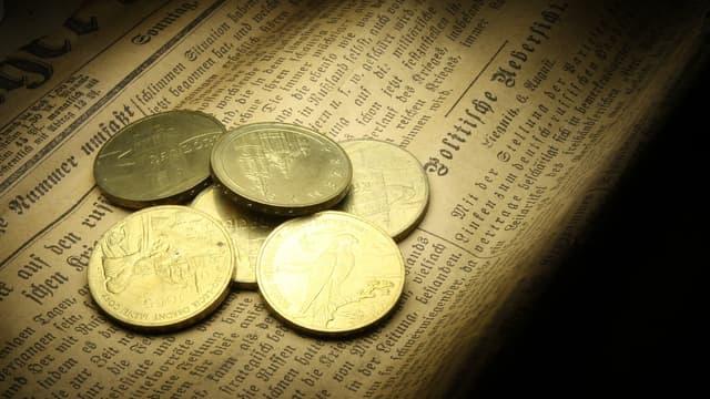Cette contraction mondiale serait liée d'une part à la diminution des prix des actifs financiers, d'autre part à une affluence d'argent frais.