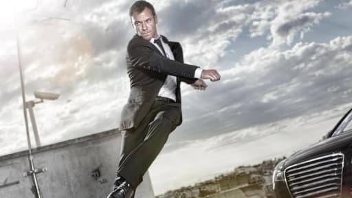 Chris Vance incarne à la télévision le personnage qui était joué au cinéma par Jason Statham.