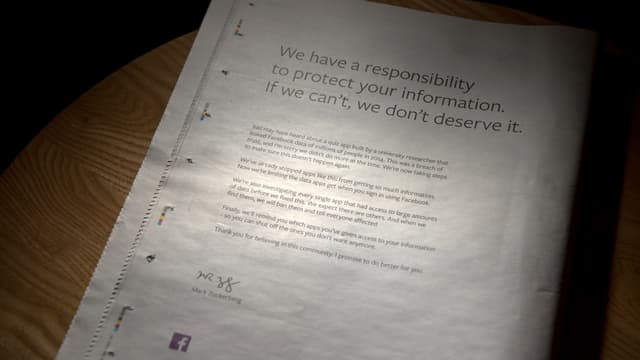 Facebook s'est offert une pleine page de publicité dimanche dans la presse britannique.
