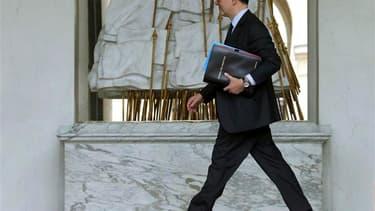 """Pierre Moscovici a déclaré dimanche que le déficit public de la France se situerait sous 3% en 2014 mais qu'il ne serait pas raisonnable de viser un objectif """"nettement"""" sous ce seuil, comme l'a réclamé la Commission européenne. /Photo prise le 10 avril 2"""