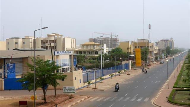 A Bamako, samedi. Le chef des putschistes maliens a fait samedi une brève apparition à la télévision nationale pour affirmer qu'il était toujours en vie et réfuter les rumeurs circulant à Bamako sur sa mort et l'imminence d'un contre-coup d'Etat. /Photo p