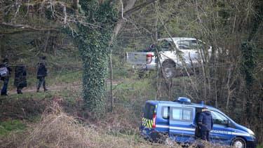 Les enquêteurs organisent des fouilles à Issancourt-et-Rumel (Ardennes) pour retrouver le corps d'Estelle Mouzin