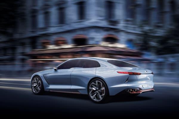 """Le """"New York Concept"""" est une réussite et affirme un certain style. Esperons que Genesis garde les lignes prononcées de ce prototype pour son futur G70."""
