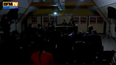 Manuel Valls a été plongé dans l'obscurité en pleine conférence de presse mardi soir.