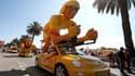 Le Tour de France est aussi un grand événement commerciale pour tous les partenaires d''ASO présents sur la caravane