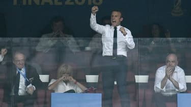 Emmanuel Macron a exulté dans les tribunes du stade Loujniki à Moscou.