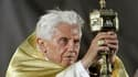 Le pape Benoît XVI a été contraint samedi soir d'interrompre son homélie en raison des pluies torrentielles qui se sont abattues sur Madrid lors de la veillée de prières célébrée sur l'aérodrome de Cuatro Vientos, point d'orgue des 26e Journées Mondiales