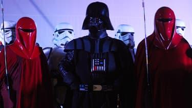"""Jedi, Stormtroopers et autres Sith ont investi le désert tunisien, sur les lieux de tournage de """"l'Episode 1"""", le 4 mai dernier."""