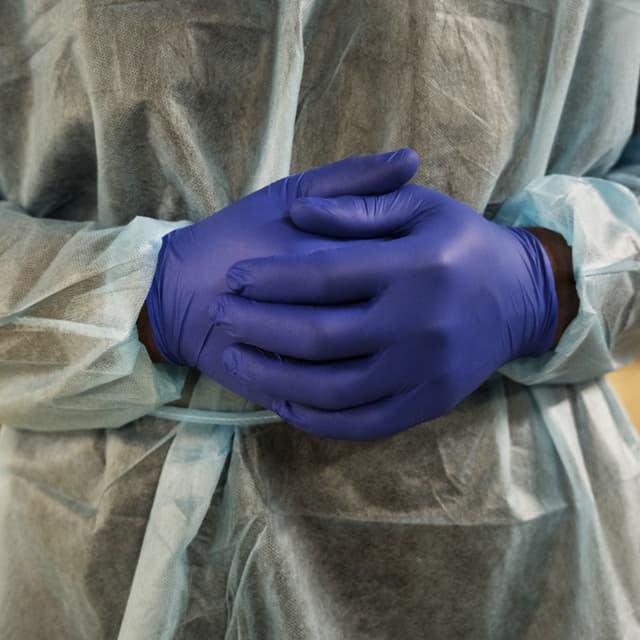 Covid-19: la France repasse sous la barre des 2.000 malades en réanimation