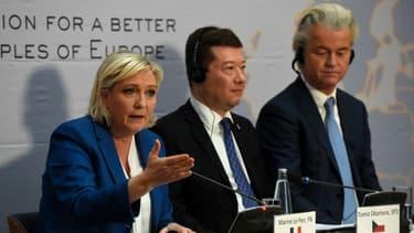 Marine Le Pen et ses alliés européens du groupe ENL le 16 décembre 2017 à Prague.