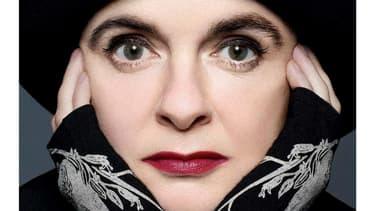 Amélie Nothomb sur la couverture de Soif, son nouveau roman.