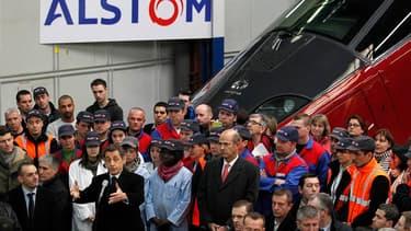 Nicolas Sarkozy est revenu mardi à l'usine Alstom d'Aytré, en Charente-Maritime, là-même où il avait promis en 2004 de tout faire pour sauver ce groupe alors en difficulté, pour mettre en avant son redressement au moment où ses adversaires lui opposent la