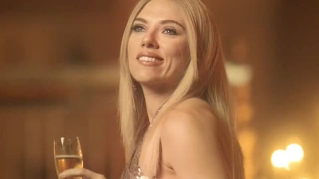 Scarlett Johansson dans la peau d'Ivanka Trump