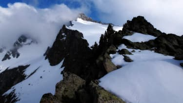 Les deux alpinistes ont chuté de 800 mètres. Photo d'illustration