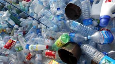 Le plastique est omniprésent dans notre quotidien et existe sous diverses formes. (image d'illustration)