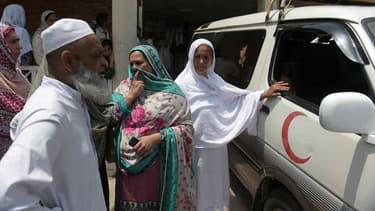 Une jeune pakistanaise est transportée à l'hôpital d'Islamabad dans une ambulance, après avoir été torturée et brûlée parce qu'elle refusait de se marier avec le fils d'une ancienne collègue. (Photo d'illustration)
