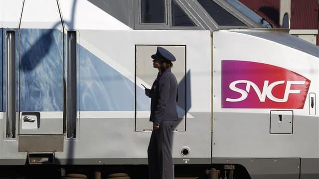 """Le trafic ferroviaire est revenu à la normale mardi matin sur le réseau SNCF après d'importantes perturbations sur les liaisons TGV entre Paris, le Sud et le Sud-Est. Le préfecture de police de Paris avait dû déclencher le """"plan Pégase"""" dans la nuit de lu"""