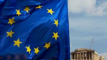 François Hollande doit rencontrer à Athènes les milieux d'affaires, dès le 19 février.
