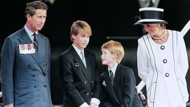 Le Prince Charles, Lady Di et leurs enfants William et Harry en août 1995