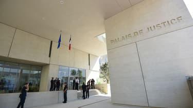 Six hommes et sept femmes sont jugés depuis ce lundi pour avoir prostitué leurs enfants, entre janvier 2009 et mai 2010, en Gironde. (Photo d'illustration)