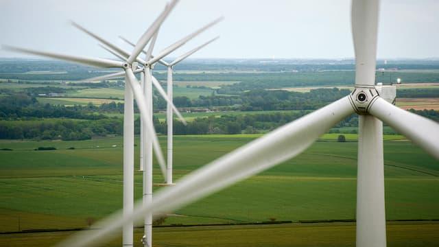 Les capacités de production d'énergie d'origine éolienne dépassent désormais celles des centrales thermiques à charbon.  (image d'illustration)