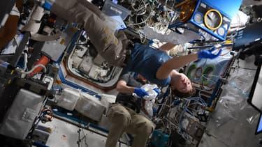 L'astronaute Anne McClain est d'ores et déjà présente à l'intérieur de la Station Spatiale Internationale, ici le 1er février.
