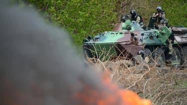 Des blindés des forces spéciales ukrainiennes à Slaviansk, dans l'Est de l'Ukraine, le 24 avril.
