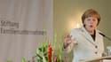 Angela Merkel a réaffirmé vendredi son opposition à toute forme de mutualisation de la dette en Europe, rejetant ainsi les propositions faites la veille par le président français François Hollande. Durcissant le ton, la chancelière allemande a également i