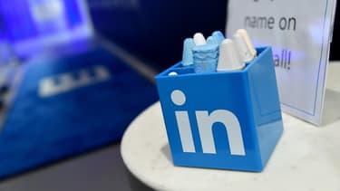 L'office fédéral allemand de protection de la constitution alerte sur les tentatives d'approche de la Chine via de faux profils créés sur le réseau social professionnel LinkedIn.