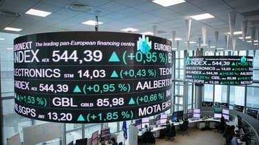 La Bourse de Paris prend du recul avant le début des publications annuelles