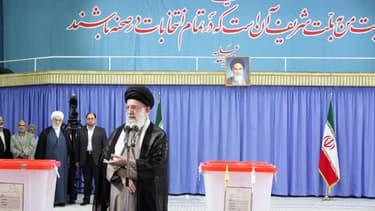 Le guide suprême Ali Khamenei