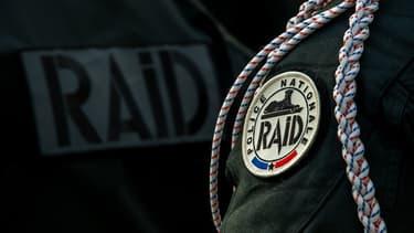 Les policiers du RAID ont mis plusieurs minutes avant de se rendre compte de leur erreur.