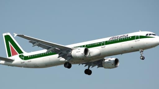 La compagnie aérienne va supprimer 1.900 postes.