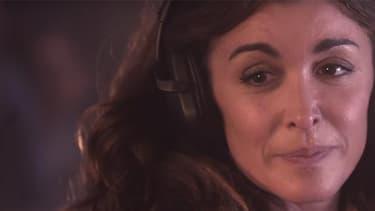 """La chanteuse Jenifer dans le clip de son nouveau single """"Mourir dans tes yeux""""."""