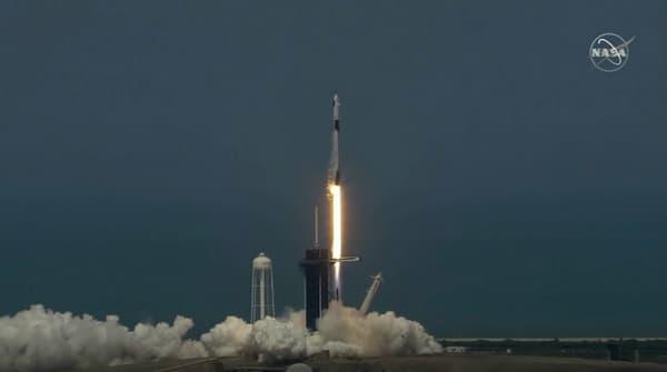 le lancement du vaisseau SpaceX
