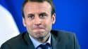 """Emmanuel Macron, après avoir maintenu ses propos sur la vie """"plus dure"""" des entrepreneurs, rétropédale."""