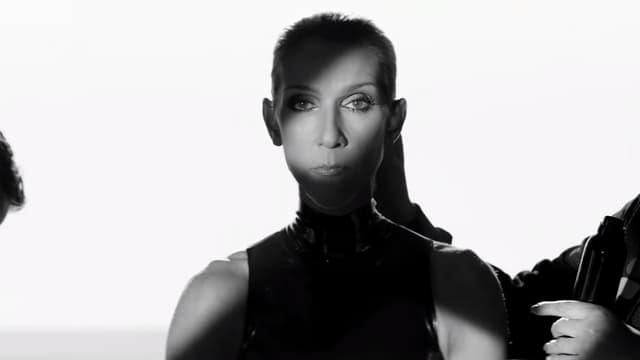 """Céline Dion dans le clip de """"Courage"""""""