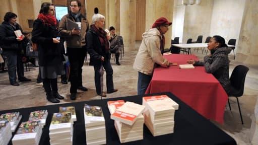 Le lauréat du prix Goncourt voit généralement les ventes de son ouvrage exploser. Ici Marie Ndiaye, qui l'a obtenu pour Trois femme puissantes, en 2009.