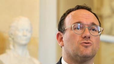 Le chef de file des députés LR Damien Abad, le 29 avril 2020 à l'Assemblée nationale à Paris