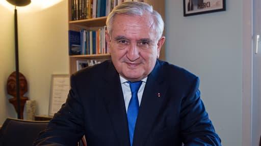 Jean-Pierre Raffarin, le 20 décembre 2013 dans son bureau parisien.