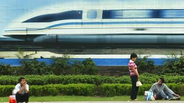 China Railway Rolling (CCRR) révèle un nouveau projet Maglev qui atteindra les 600 km/h. Une ligne de test de 5 km est en préparation.