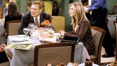 Ron Leibman et Jennifer Aniston dans Friends