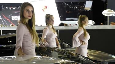 Si certains exposants au salon automobile de Genève (8-18 mars) continuent d'employer des mannequins, les hôtesses sont moins présentes dans les allées du salon de Genève.