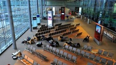 Les aéroports français doivent faire face à une grève des contrôleurs aériens.