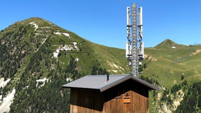 Un site mobile 4G en montagne.