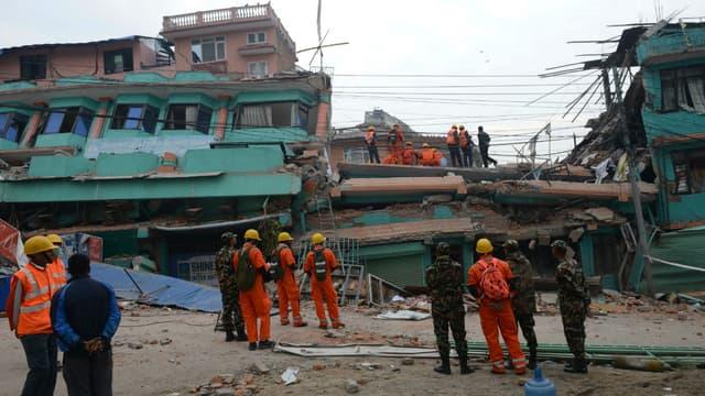 Deux Français sont morts dans la capitale népalaise, Katmandu après le violent séisme de la semaine dernière.