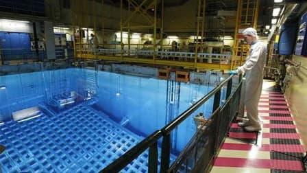 """Centrale nucléaire de Saint-Paul-Trois-Châteaux. Les pays dotés de l'énergie nucléaire civile se sont accordés mardi sur la nécessité de soumettre systématiquement leurs centrales à des """"tests de résistance"""" afin de tirer les leçons de l'accident de Fukus"""
