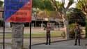 """Deux ans de prison, dont 18 mois avec sursis, ont été requis jeudi contre le parachutiste qui avait blessé 16 civils en 2008 dans une caserne de Carcassonne (Aude) après une confusion entre balles """"à blanc"""" et balles réelles. /Photo d'archives/REUTERS/Pas"""