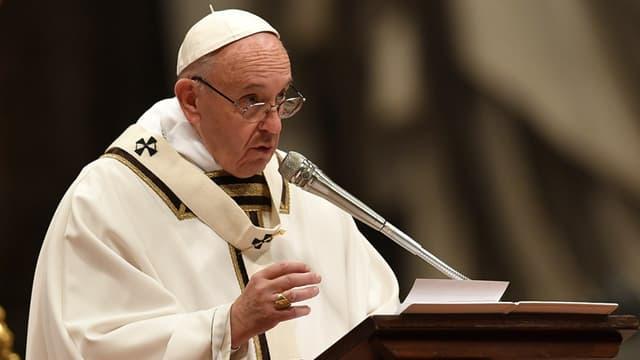 Le pape François à la veille de Noël depuis la basilique Saint-Pierre à Rome