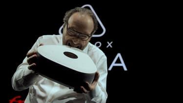 Xavier Niel croque la Freebox Delta !